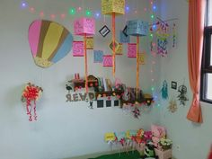 Booksleves in the corner of the class. This made by me and my classmate. It was fun!