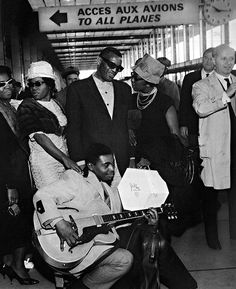 Ray Charles & the Raelettes by Roger Kasparian Paris 1961
