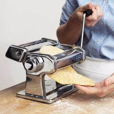 running pasta dough through pasta machine Homemade Lasagna Noodles, Homemade Pasta Dough, No Noodle Lasagna, Lasagna With Fresh Pasta, Butternut Squash Ravioli, How To Make Lasagna, Pasta Machine, Whole Wheat Pasta, Pasta Maker