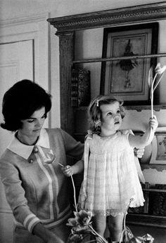 such innocence (Jackie Kennedy with Caroline)