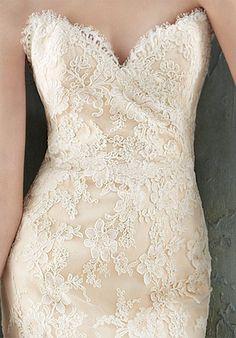 Lace, sweetheart neckline.