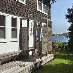 Beach House Outdoor Shower Design,