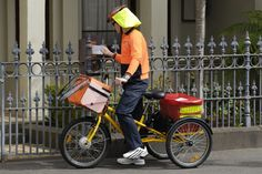 Australia Post introduced electric bicycles and tricycles in 2009 and now has approximately 640 electric bicycles and 45 electric tricycles in operation.