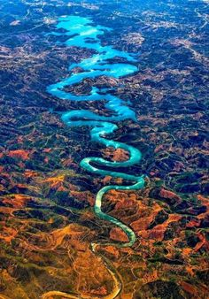 O lindo Rio Dragão Azul em Portugal