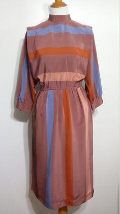 97b1728ed1ac9 Items op Etsy die op Secretaris jurk, S, vallen kleuren jurk, bruine jurk,  taupe jurkje, gestreepte jurk, designer jurk, bruine jurk, val jurk lijken