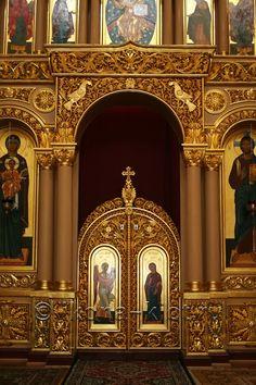 Иконостас в Казанском Соборе Новодевичьего монастыря