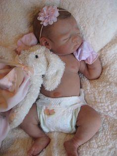 Reborn doll baby girl **Chloe** Linda Murrys Krista in Dolls & Bears, Dolls, Reborn Silicone Reborn Babies, Silicone Baby Dolls, Silikon Wiedergeborene Babys, Baby Dolls For Sale, Lifelike Dolls, Newborn Baby Dolls, Dream Baby, Vinyl Dolls, Newborn Baby Photography