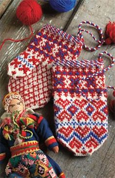 Sámi Children's Mittens pattern by Laura Ricketts. - Notice the little Sami fabric doll in front. Knitted Mittens Pattern, Knit Mittens, Knitted Gloves, Knitting Socks, Hand Knitting, Knitting Designs, Knitting Projects, Knitting Patterns, Sampler Quilts