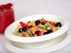 Sprek fruktsalat med müsli