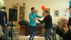 Get Online Week 2014 in Sweden: learning ICT can be fun! Dancing together with the IT-GUIDES in Örebro