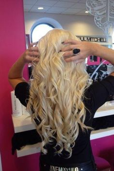 Stunning white blonde shade. We stock 45 shades in a range of lengths and thicknesses - 100% Remy Human Hair - Free Worldwide Delivery - Click the image for link
