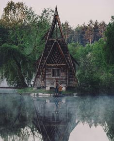 House on the lake, Zhytomyr region, Ukraine. Photo: Alexander… – 2020 World Travel Populler Travel Country Tiny House Cabin, Cabin Homes, Ideas De Cabina, Beautiful Homes, Beautiful Places, Cabin In The Woods, A Frame House, Forest House, Cabins And Cottages