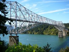 Bridge of the Gods, over the Columbia river [1926 - Cascade Locks, Skamania County, Oregon, USA]