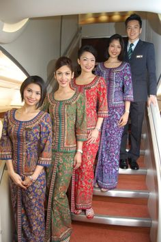 世界中のキャビンアテンダント☆シンガポール航空の制服