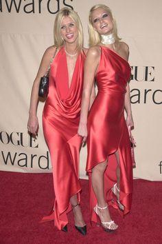 The Hilton sisters Silk Satin Dress, Satin Dresses, Elegant Dresses, Cute Dresses, Satin Nightie, Vogue Fashion, Fashion Photo, Paris Hilton Style, Paris And Nicole