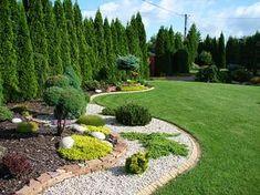 Fashion and Lifestyle Front Yard Garden Design, Front Garden Landscape, Flower Garden Design, Garden Yard Ideas, Side Garden, Privacy Landscaping, Outdoor Landscaping, Front Yard Landscaping, Outdoor Gardens