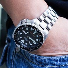 Your Seiko SKX007 needs this Endmill bracelet! #strapcode #skx007 #endmill #wristshot #watchofinstagram #watchnerd #watcholic #watchpics #watchporn #watchlover #watchaddict #watchoftheday #WOMW #wordpressblog #strapaddict #wus #watchcollector #dapperwatch #wruw #dailywatch #wornandwound #watchshot #timepiece #wristshot #japanwatch