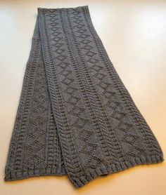Karins Gansey Scarf pattern by Tina Hees Free Pattern: Karins Gansey Scarf by Tina Hees Always wanted to be able to knit, although unsure where to begin? The fol. Mens Knitted Scarf, Knit Cowl, Knitted Shawls, Crochet Scarves, Knit Crochet, Knitting Scarves, Knitting Patterns Free, Knit Patterns, Free Knitting