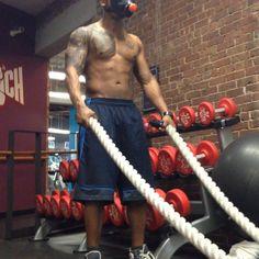 Battle ropes!! ... Great way to end a shoulder workout #burnout #motivationbodybuilding #bodybuildingmotivation #fitness #fit #instafit #getsome #work #train #traininsane #battleropes #physicalfitness #healthandfitness #wellness #feeltheburn #crunch #crunchfutness #Padgram