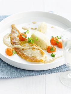 Pladijs met zalf van aardpeer en jus van cichorei http://www.njam.tv/recepten/pladijs-met-zalf-van-aardpeer-en-jus-van-cichorei