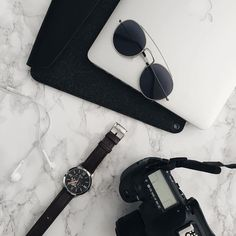 Travel essentials - Pic by @kevin.chungg - Macbook sleeve available on mujjo.com or through Mujjo resellers worldwide. #mujjo