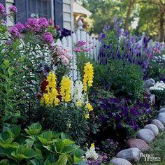 Beautiful Small Cottage Garden Design Ideas 90