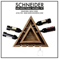 Cedro triangular estante del vino con el colgante por SArchWorks