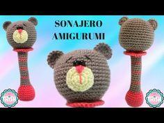 En este vídeo os traigo el patrón de este sonajero de osito amigurumi, es de nivel básico, muy bien explicado paso a paso, para que... Crochet Baby Toys, Crochet Animals, Baby Knitting, Amigurumi Tutorial, Crochet Blouse, Baby Rattle, Easy Crochet Patterns, Crafts, Baby Knits