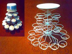 Suporte para Cupcakes em arame Com 26 unidades + 1 Bolo, adaptável a diferentes tamanhos de bolinhos, empadas, coxinhas