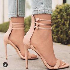 fe85222e5 #sapatos #sapatosfemininos #shoes Sapatos Aldo, Sapatos De Grife, Sapatos  Chiques,