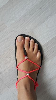 Elegantní Huarache sandále dámské / Zboží prodejce Katies World Diy Leather Sandals, Boho Sandals, Studded Sandals, Bare Foot Sandals, Mens Flip Flops, Flip Flop Shoes, Minimalist Shoes, Barefoot Shoes, Huaraches