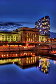 30th Street Station, Philadelphia PA my FAVORITE BUILDING IN PHILADELPHIA (can you tell I REALLY want to work for Amtrak?)