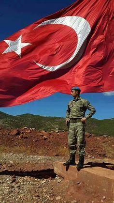Bayrakları Bayrak Yapan Üzerindeki Kandır, Eğer Uğrunda Ölen Varsa Vatandır.