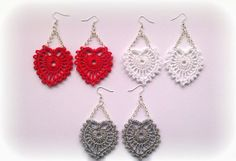 I like the red ones Crochet Earrings Pattern, Crochet Jewelry Patterns, Crochet Bracelet, Bead Crochet, Diy Crochet, Tatting Earrings, Tatting Jewelry, Fabric Embellishment, Knitting Accessories