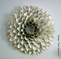 Book Page Wreath Tutorial Vintage, Paint and more. Book Page Wreath Tutorial Wreath Crafts, Diy Wreath, Paper Crafts, Diy Crafts, Paper Wreaths, Paper Glue, Paper Dahlia, Paper Flowers, Christmas Wreaths