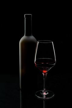 Trademark Global Sergei Smirnov Red Wine Still Life Canvas Art - 37 x 49 Glass Photography, Stunning Photography, Product Photography, Photography Poses, Artist Canvas, Canvas Art, Canvas Ideas, Canvas Paintings, Wine Deals