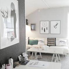 ○ Livingroom and office ○ #boligplussminstil #interiørmagasinet_januar #finahem #nordiskehjem #interiorforinspo #roomforinspo #ditthem #boligpluss #rom123 #tipstilhjemmet #skandinaviskehjem #fouremptywalls #kk_living #interior4you #interiørmagasinet #interior4all #onlyinterior #plakater #nettbutikk #webshop #lisakathdesign #boligdrom #rubenireland #interior125 #interiorrabbit