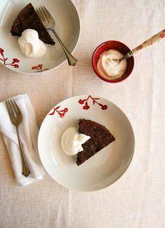 Flourless chocolate peanut cake / Bolo de chocolate e amendoim (sem farinha de trigo)