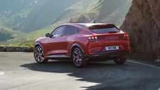 Official: this is the new Ford Mustang Mach-E electric SUV Ford Mustang Gt, Neuer Ford Mustang, Mustang Cobra, Chevy Diesel Trucks, Ford Trucks, 4x4 Trucks, Chevrolet Trucks, Lifted Trucks, Autos