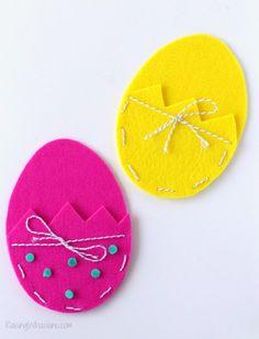 Easter Crafts For Kids, Diy For Kids, Craft Stick Crafts, Easy Crafts, Diy Ostern, Boyfriend Crafts, Ideias Diy, Hoppy Easter, Easter Eggs
