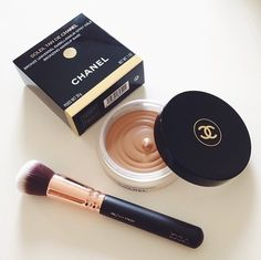 Chanel Make up bronze base Chanel Makeup, Chanel Chanel, All Things Beauty, Beauty Make Up, Makeup Bronze, Make Up Brush, Facial Lotion, Facial Cleanser, Makeup Collection