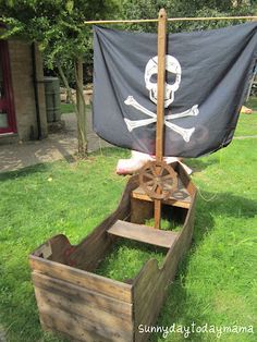 sunnydaytodaymama: Sunnyboy's new pirate boat (and a treasure map) < oh I do wish I was DIYy enough to build something like this
