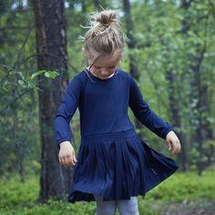 Plissert kjole for flotte høstdager! Aw17, Tunic Tops, Long Sleeve, Sleeves, Women, Fashion, Moda, Long Dress Patterns, Fashion Styles