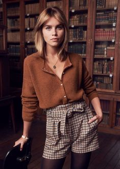 Sezane Automne 2018 casual fall outfit winter outfit style outfit inspiration millennial fashion street style boho vintage grunge casual i Style Outfits, Casual Fall Outfits, Mode Outfits, Winter Outfits, Fashion Outfits, Winter Dresses, Christmas Fashion, Christmas Outfit Women, Christmas Clothes