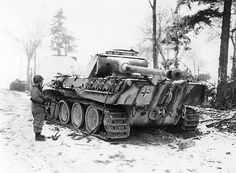 12th SS Panzer Division began the Ardennes offensive with circa 120 tanks, 40 are left, 10-15 January 1945. #WW2