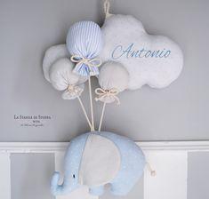 Baby Elefant Geburtsbogen - Lilly is Love Baby Crafts, Felt Crafts, Diy And Crafts, Baby Shawer, Felt Baby, Baby Kranz, Baby Elefant, Baby Door, Baby Mobile