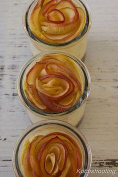 Ich liebe es in fremden Blogs rumzustöbern und mich inspirieren zu lassen. Als ich diesen Apfel-Käsekuchen im Glas auf Marions Genuss...