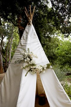 inspiration | white tent for bride + groom | moon canyon flowers
