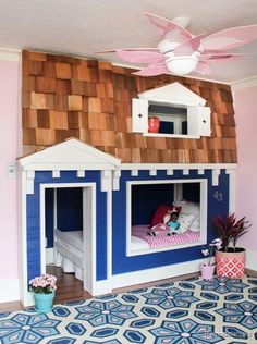 Built-in bunk bed room! Love this diy bunk bed play house, except I would make it boyish or neutral Bunk Bed Playhouse, Kids Bunk Beds, Closet Playhouse, Indoor Playhouse, Ideas Habitaciones, Little Girl Rooms, Cool Beds, Cool Rooms, Kid Spaces