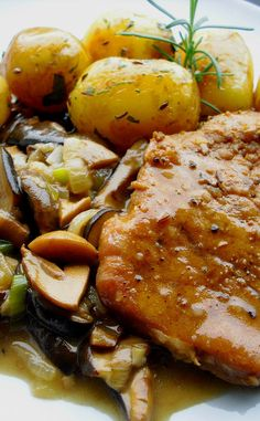 Pot Roast, Stew, Czech Food, Good Food, Food And Drink, Cook Books, Cheese, Cooking, Ethnic Recipes